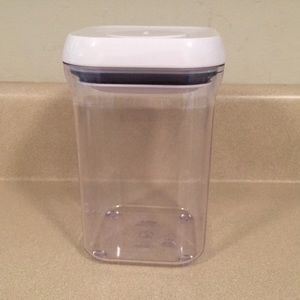 OXO POP food storage container 0.9qt